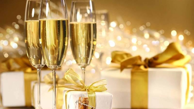 Новогоднее шампанское. Новогодние обои на рабочий стол