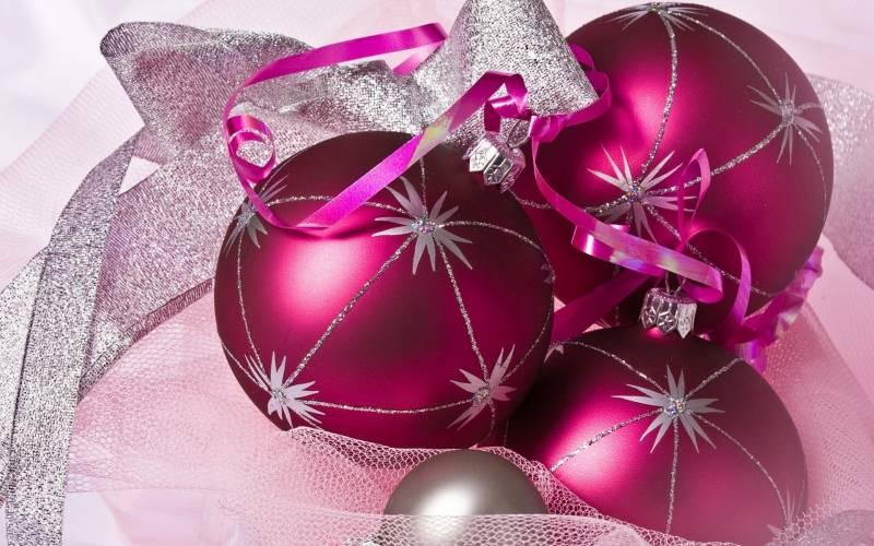Елочные шары. Новогодние обои на рабочий стол