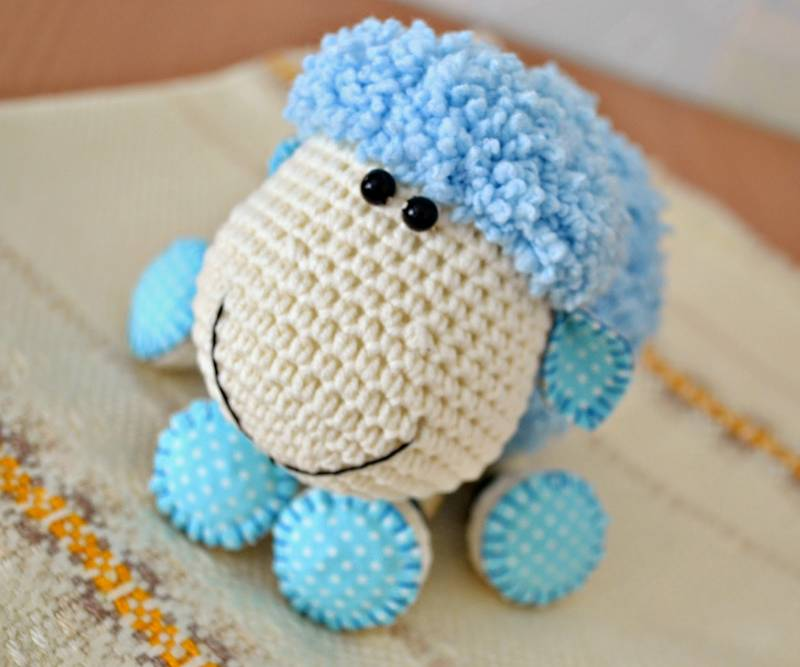 Вязаная овечка крючком. Картинки с символом 2018 года